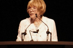 Shirley MacLaine 12 trükkje a test lúgosítására