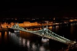 Esélyes Budapest. De mire?
