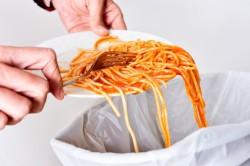 Rengeteg élelmiszer megy pocsékba