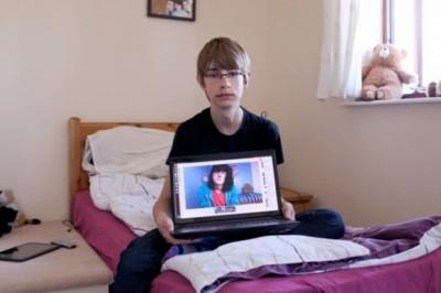 Film a fiatalok online társkeresési szokásairól