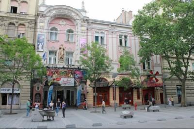 Újra nyit az egykori Moulin Rouge