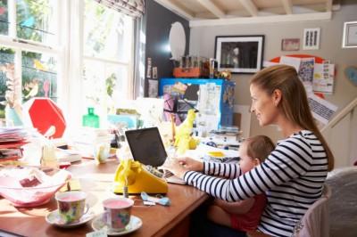 Magyar kezdeményezés a dolgozó szülőkért