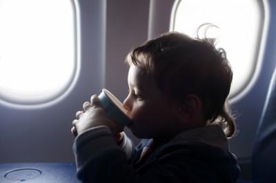 Szennyezett lehet a repülőn felszolgált tea és kávé