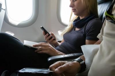 A repülőutat sem bírjuk ki net nélkül