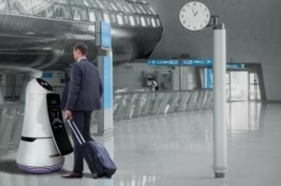 Van olyan reptér, ahol robotok fogadják az utasokat
