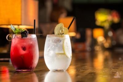 A mérsékelt alkoholfogyasztástól is sorvad az agyunk