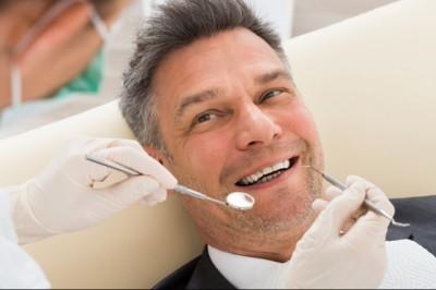 A kormány a fogorvosok mellett áll