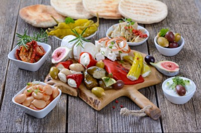 Elkerülhető az epekőműtét és az Alzheimer-kór mediterrán étrenddel?