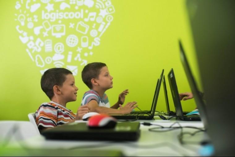 Programozni tanít a világelső magyar Logiscool