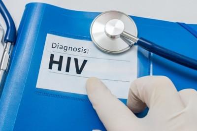Gyorsan nő az 50 éven felüli heteroszexuális HIV-fertőzöttek száma Európában