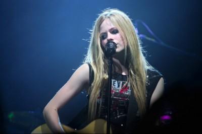 """Avril Lavigne: """"Nem esek könnyen szerelembe"""""""