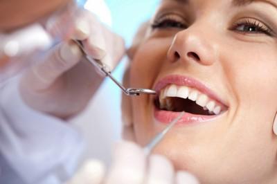Egy tévhit a fogakról, ami sokakat menthet meg a műfogsortól