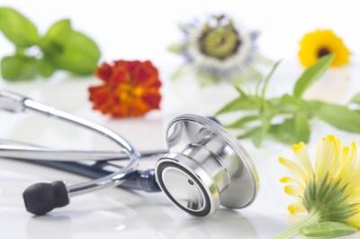 A természetes gyógymódoknak van helyük az orvoslásban